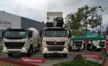 vehicentro en la feria de palora camiones ecuador