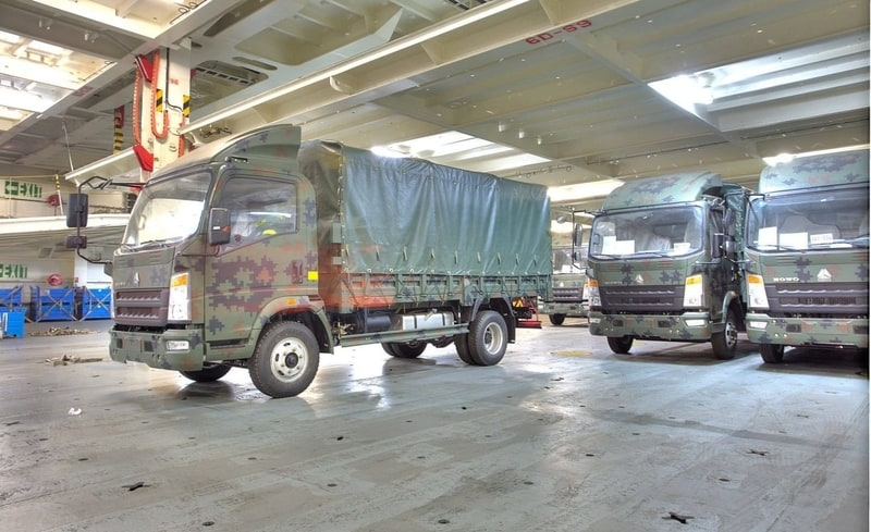 entrega de camiones militares al ejercito ecuatoriano